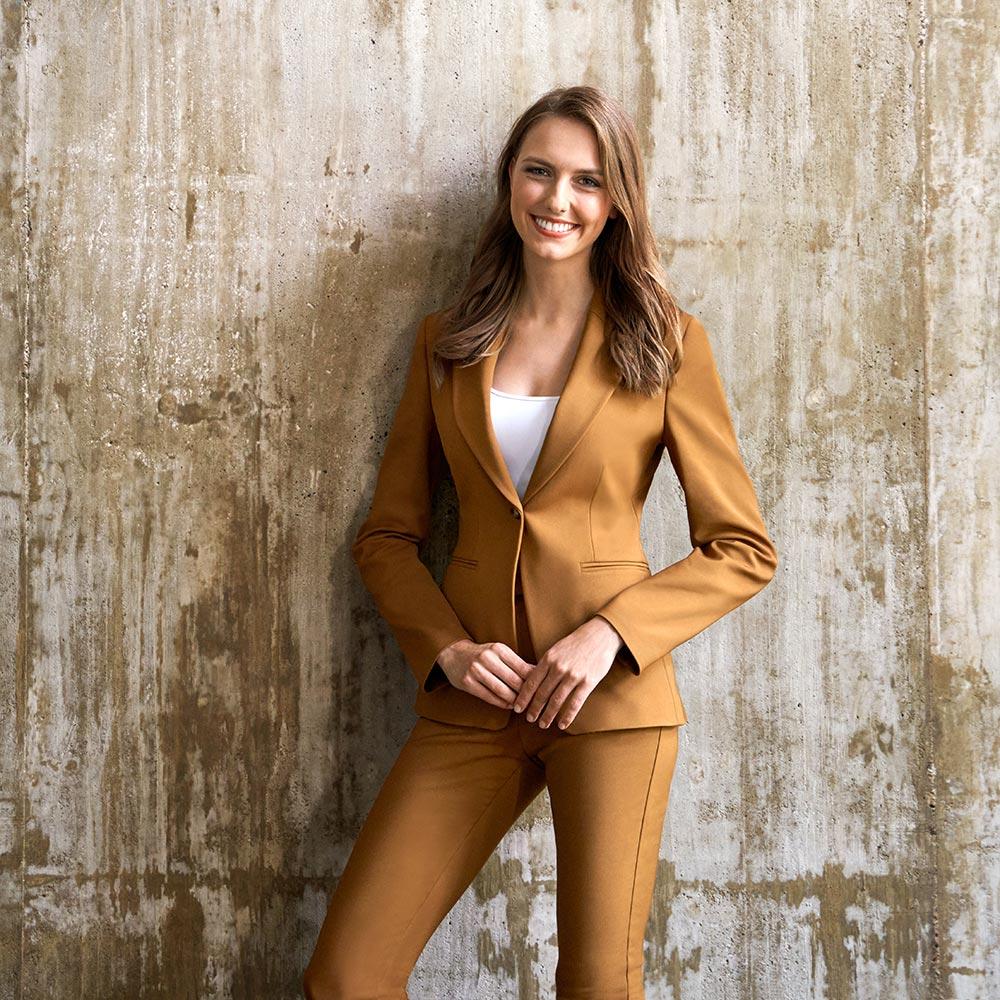 Liza Kohl Immobilienmaklerin und Verwalterin Business