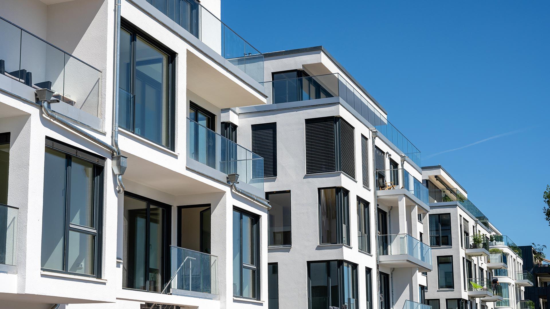 Finden Sie Ihr Traumhaus: mit LIZA IMMOBILIEN. Sie suchen das perfekte Eigenheim oder die lukrative Geldanlage? Schildern Sie mir Ihre Wünsche und Vorstellungen: Ich finde für Sie die passende Immobilie.